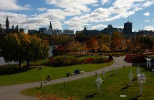 Autumn in park - HER