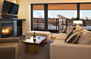 Black rock - 2 bed suite living room - JV_result